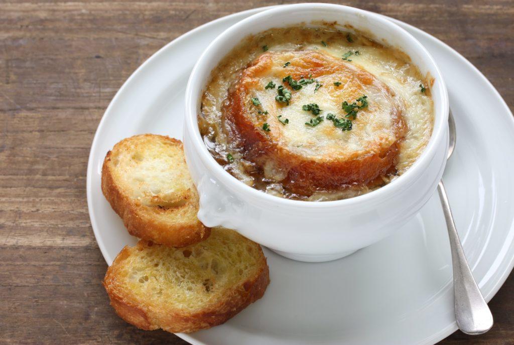 Французский луковый суп рецепт с фото