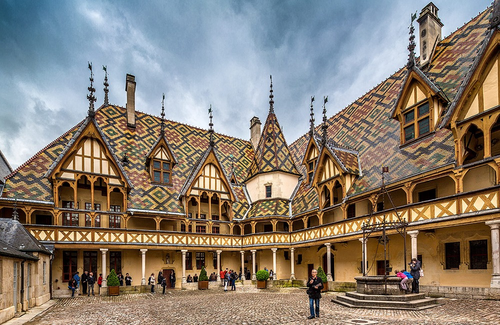 Город Бон, Франция