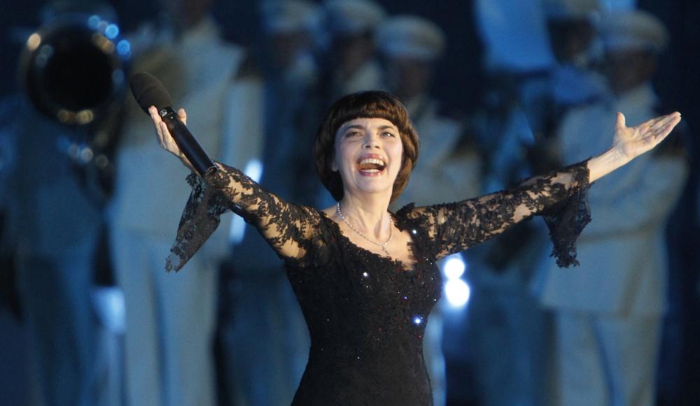 Мирей Матье на сцене