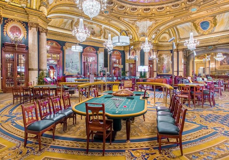 Интерьер в казино Монте-Карло
