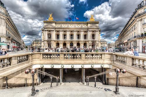 Площадь Опера, 9-й округ Парижа