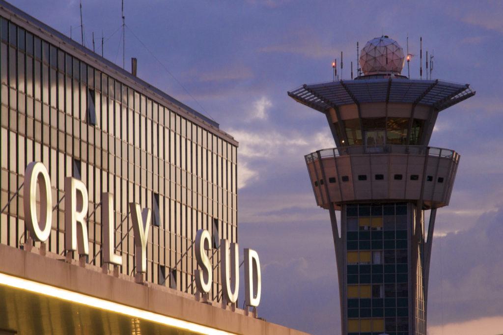 Табло аэропорта Орли Париж