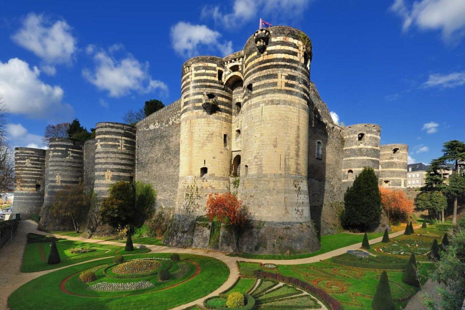 Анжерский замок (Château d'Angers)
