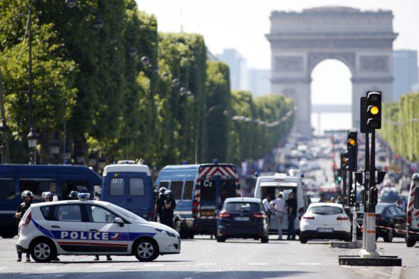Сколько ехать до Парижа на машине