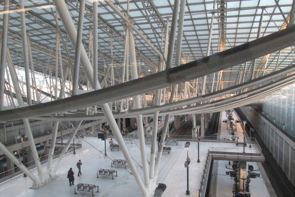 ЖД вокзал Шарль де Голль