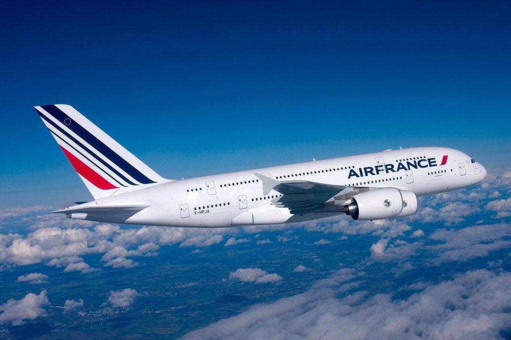 Самолет в Париж из Москвы