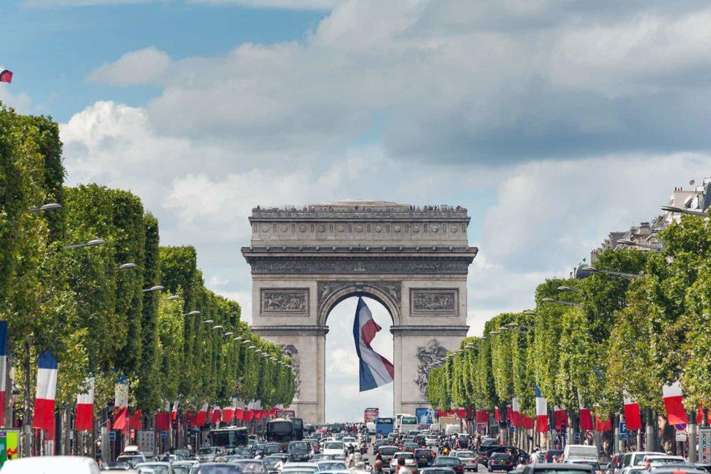 Елисейские поля в Париже фото