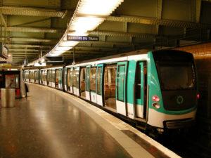 Станции Метро в Париже