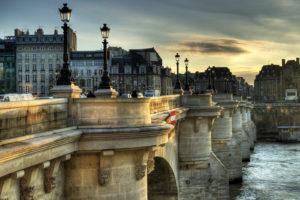 Новый мост в Париже фото