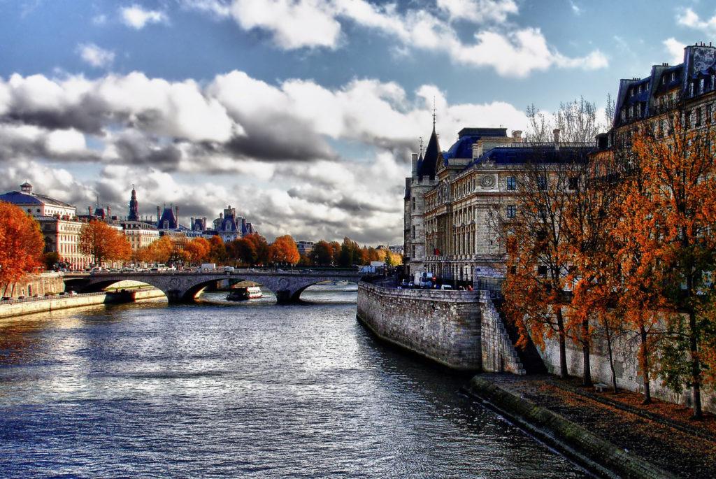 Остров Сите в Париже фото