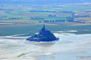 Остров Крепость Мон Сен-Мишель Франция