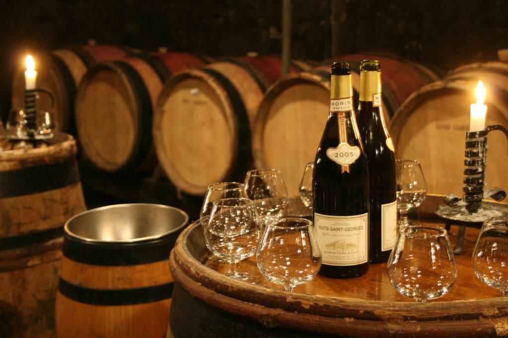 Красное бургундское вино