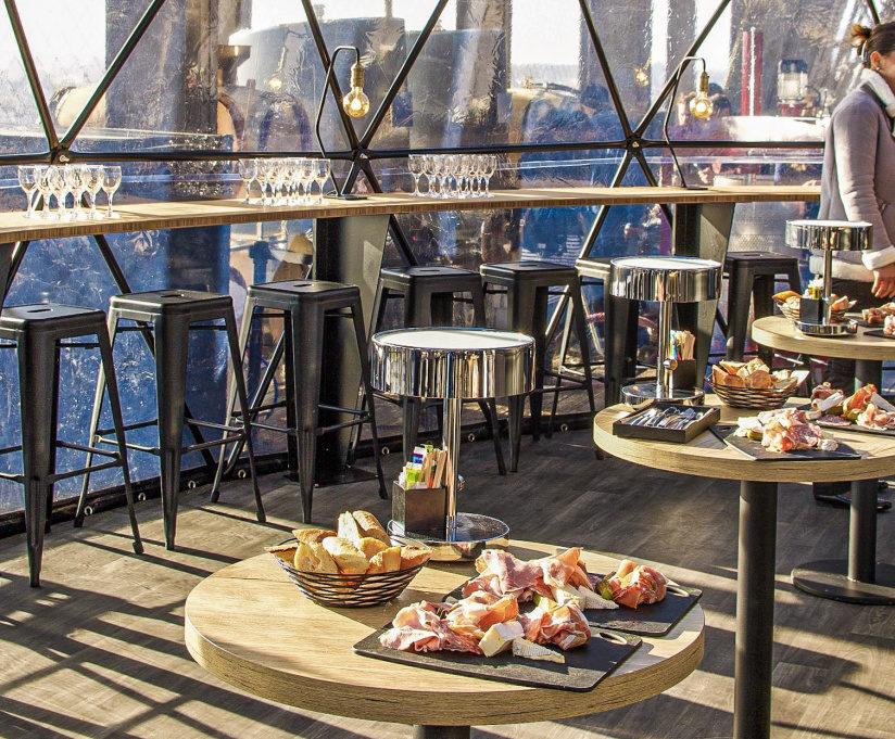 Ресторан la Bulle Parisienne в Эйфелевой башне