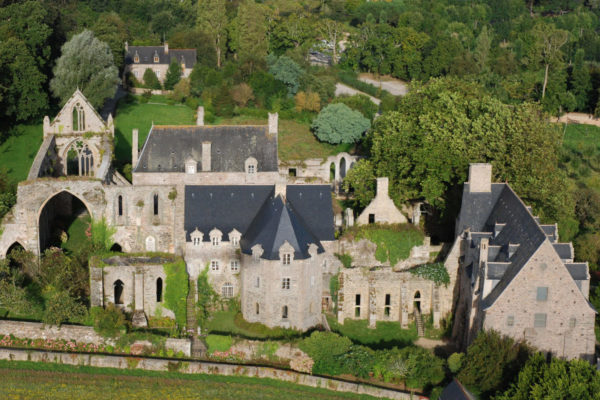 Аббатство Бопор Бретань Франция