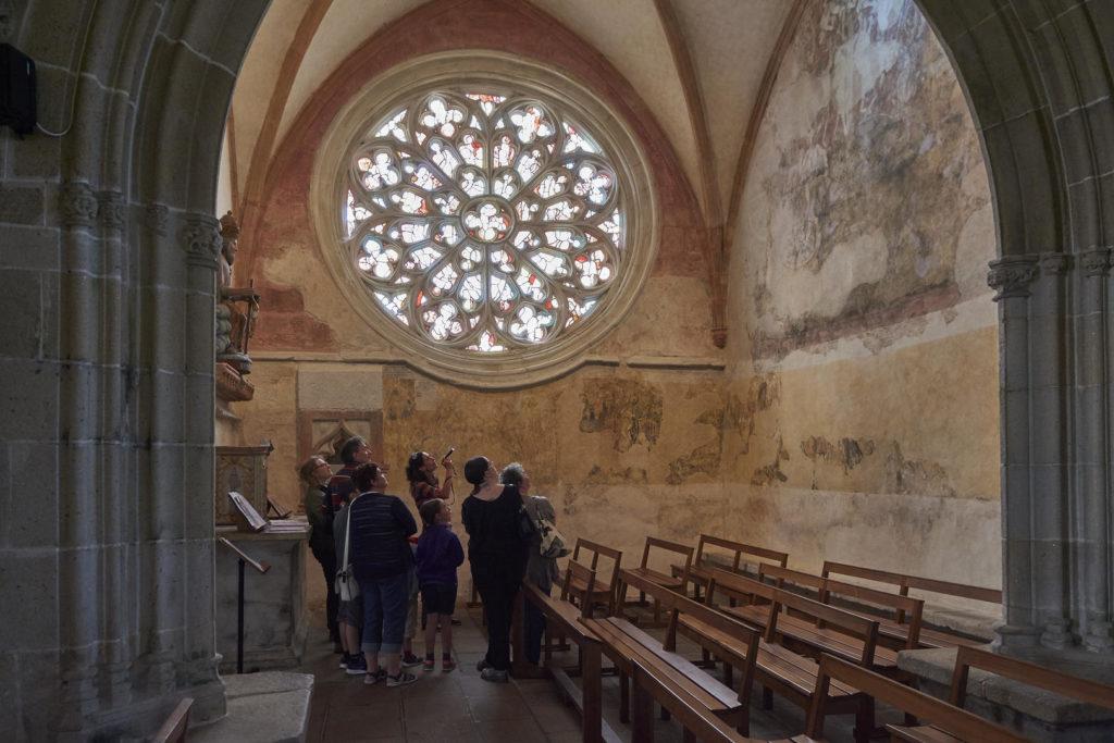 Церковь Нотр-Дам де Кернаскледан внутри фото