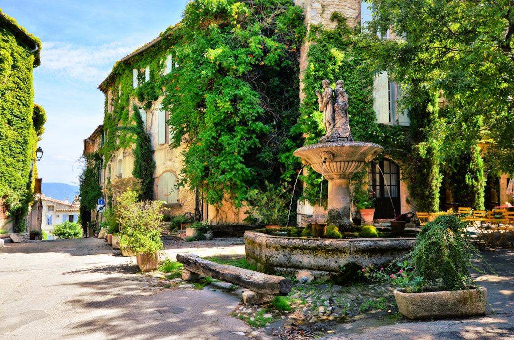 Saignon France