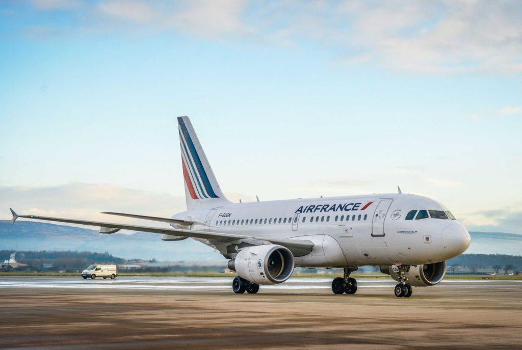 На самолёте в Бретань