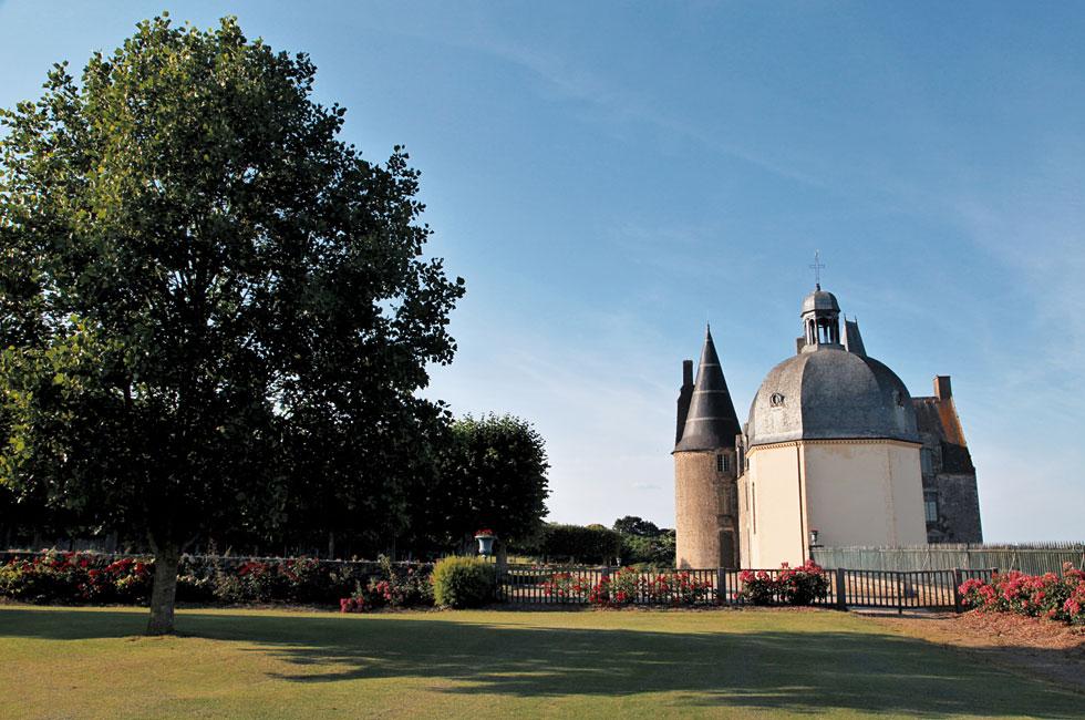 Замок Роше Севинье во Франции